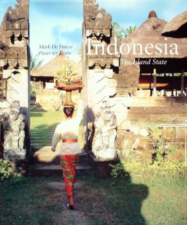 First  cover of 'INDONESIA, THE ISLAND STATE.'
